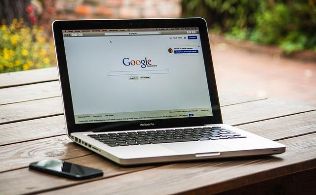 vyhledávání přes google